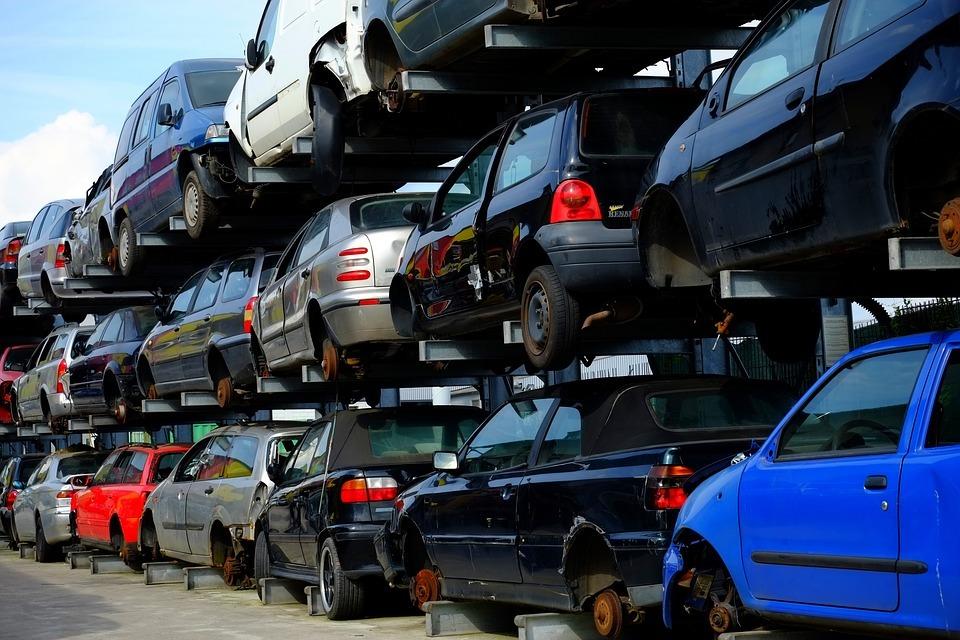 Scrap Yard in Windsor, ON | Scrap Cars Removal +1 (647) 920-8685