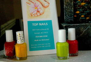Counter with essie polish2