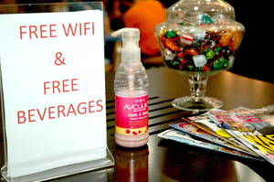 Free wifi and beverages