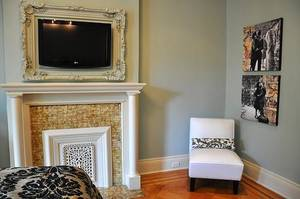 Frame tv antique white