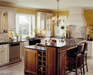 Traditional kitchen cabinetry 700