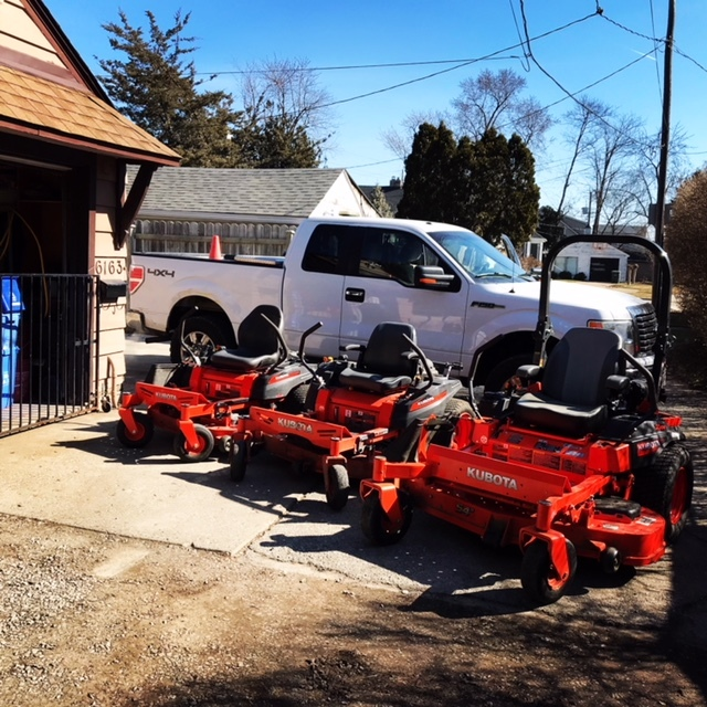 Lawn Care Service In Windsor On 1 519 817 3655 Lawn
