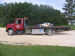 Nordal's_Deck_Truck_with_Nordal's_Go_Cart