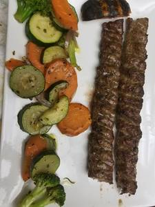 koobideh_kebob_and_sautee_vegetables