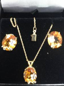 Citrine_pendant-earrings_-_diamond_accents