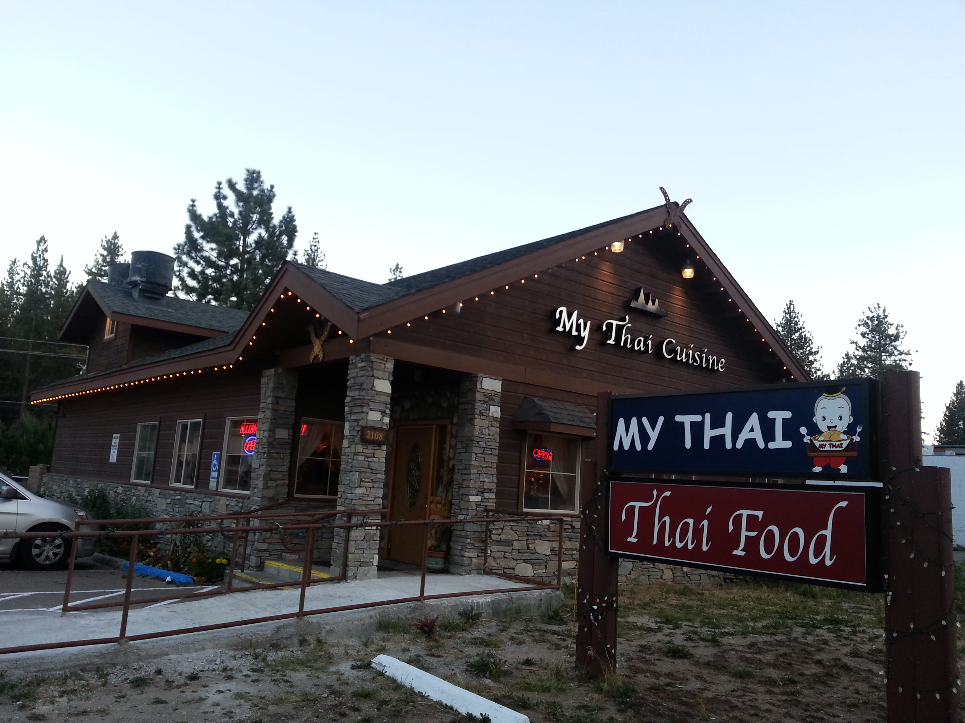 Fantastic Thai Restaurant In South Lake Tahoe Ca My Thai Cuisine Home Interior And Landscaping Oversignezvosmurscom